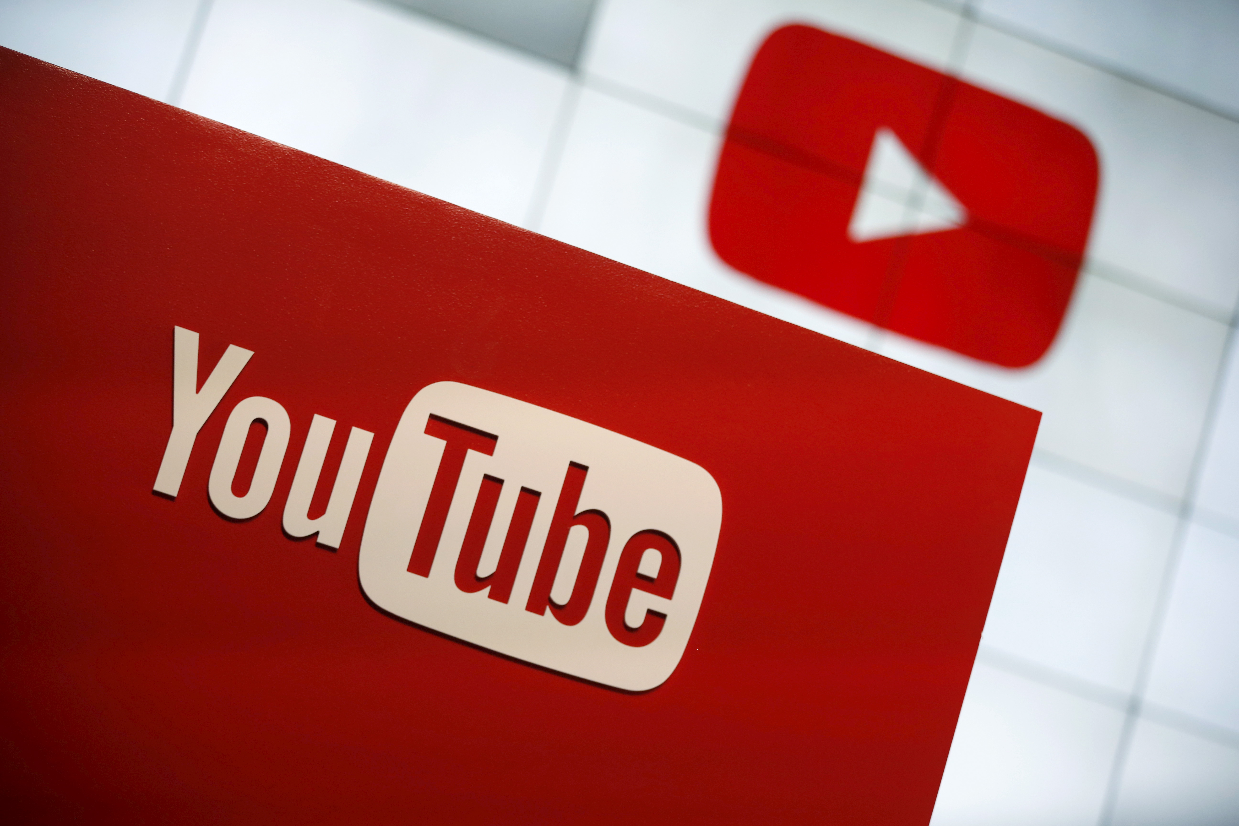 youtubes specialist video channels - HD1400×933