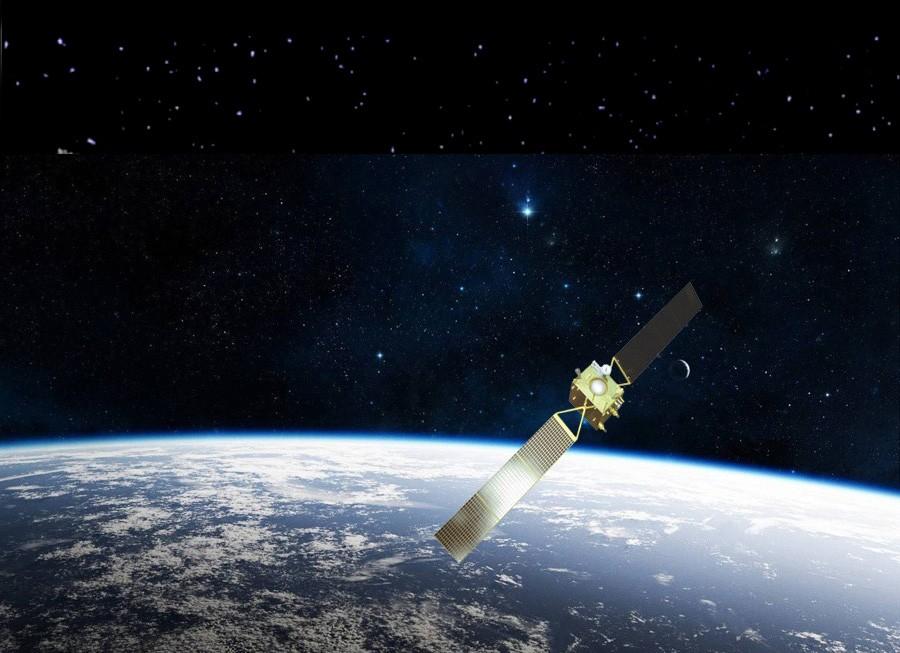 спутник в космосе фото она